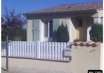 Clôture lisse PVC verticale en KIT et sur mesure suivant votre mur