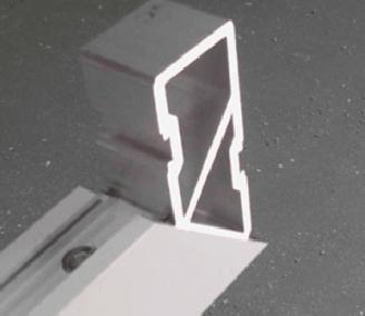Equerre d'assemblage cadre aluminium de portail et de portillon