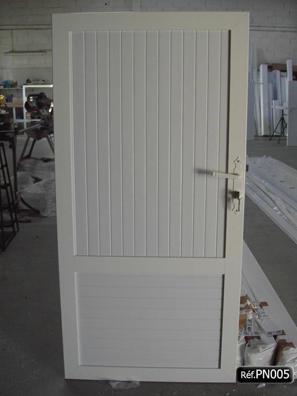 Portillon avec cadre aluminium et lame PVC occultant