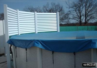 Brise vue en PVC pour piscine