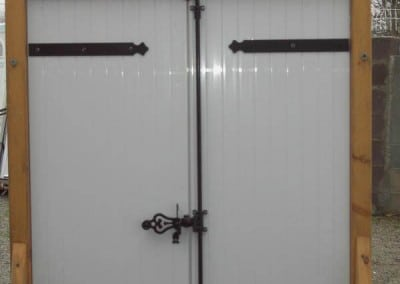 Volet battant PVC avec quincaillerie aluminim