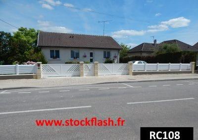 Pose portail coulissant clôture PVC sur mesure livraison sous 15 jours