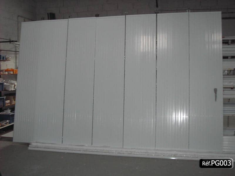 Porte de garage pvc coulissante en kit et sur mesure for Porte de garage en pvc coulissante