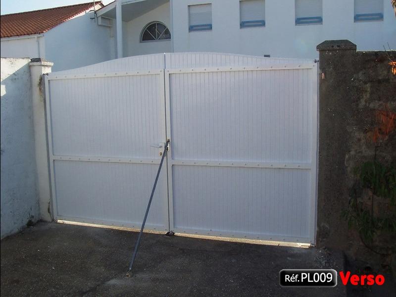 Porte 2 vantaux de portail PVC