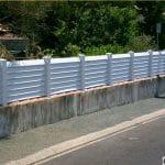 Pose clôture PVC