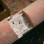 Pose clôture PVC sur mur avec tuile