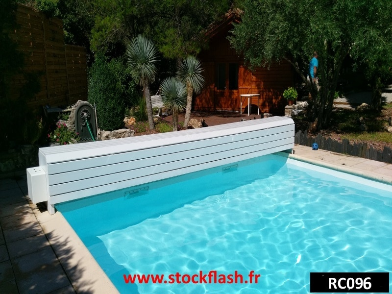 coffre pvc volet roulant piscine sur support alu sur mesure en kit. Black Bedroom Furniture Sets. Home Design Ideas
