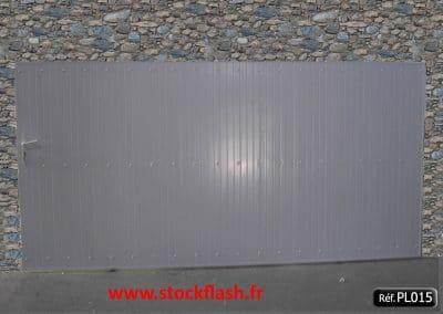 Portail 15 coulissant panneau PVC occultant cadre alu