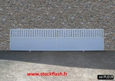Portail 19 coulissant cadre aluminium 1/3 ajouré 2/3 plein
