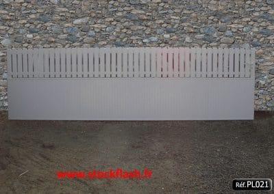 Portail 21 coulissant cadre aluminium habillage PVC