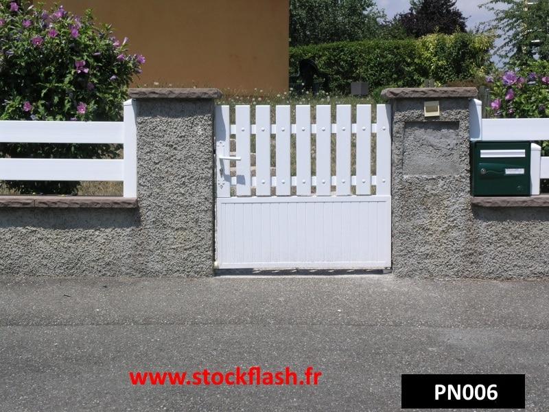 Portillon pour cl ture de jardin en pvc sur cadre alu - Lame pvc cloture ...